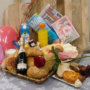 city-bakery-taart-jubileumontbijt-champagne_1520246426-300x300